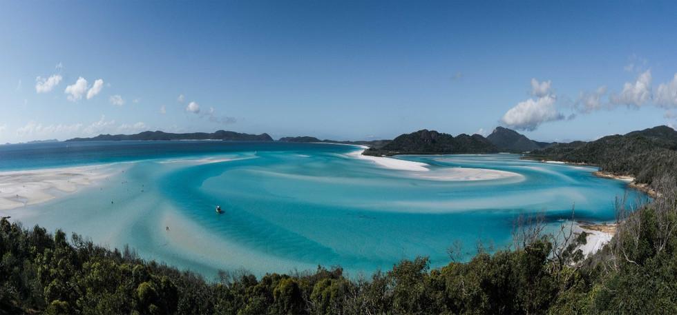 Explore THE WHITSUNDAY ISLANDS