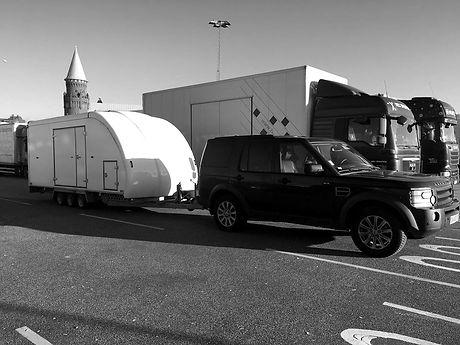 Transport de véhicule remorque fermée