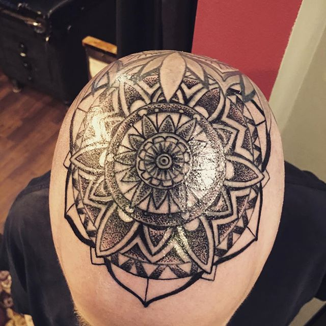 Lots o fun on the dome, Scott is a bad dude!!!!_#mandalatattoo #inkadinkadoo #kingpintattoosupply #c
