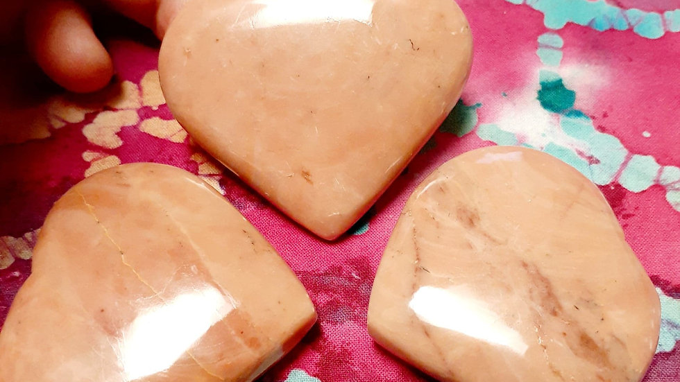 Peach Moonstone Heart Palm Stone / Woman Energy / Feminine / Fertility