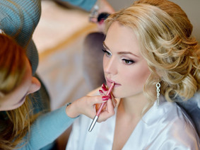 bridal-makeup-artist-wedding-day-gettyim