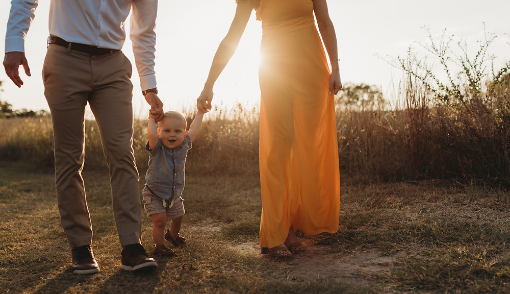 commons ford ranch park is a perfect backdrop for this austin area family photography session
