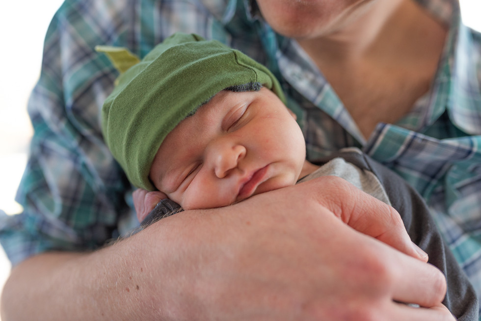 Austin lifestyle newborn photography is easy, fun and affordable!