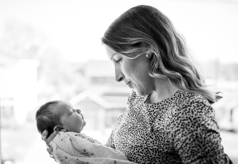 Austin lifestyle newborn photography