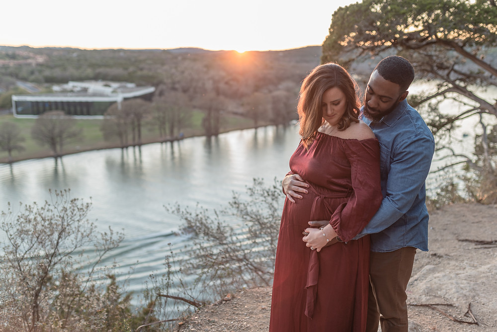 Maternity photographer Austin