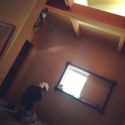 寝室 床塗装