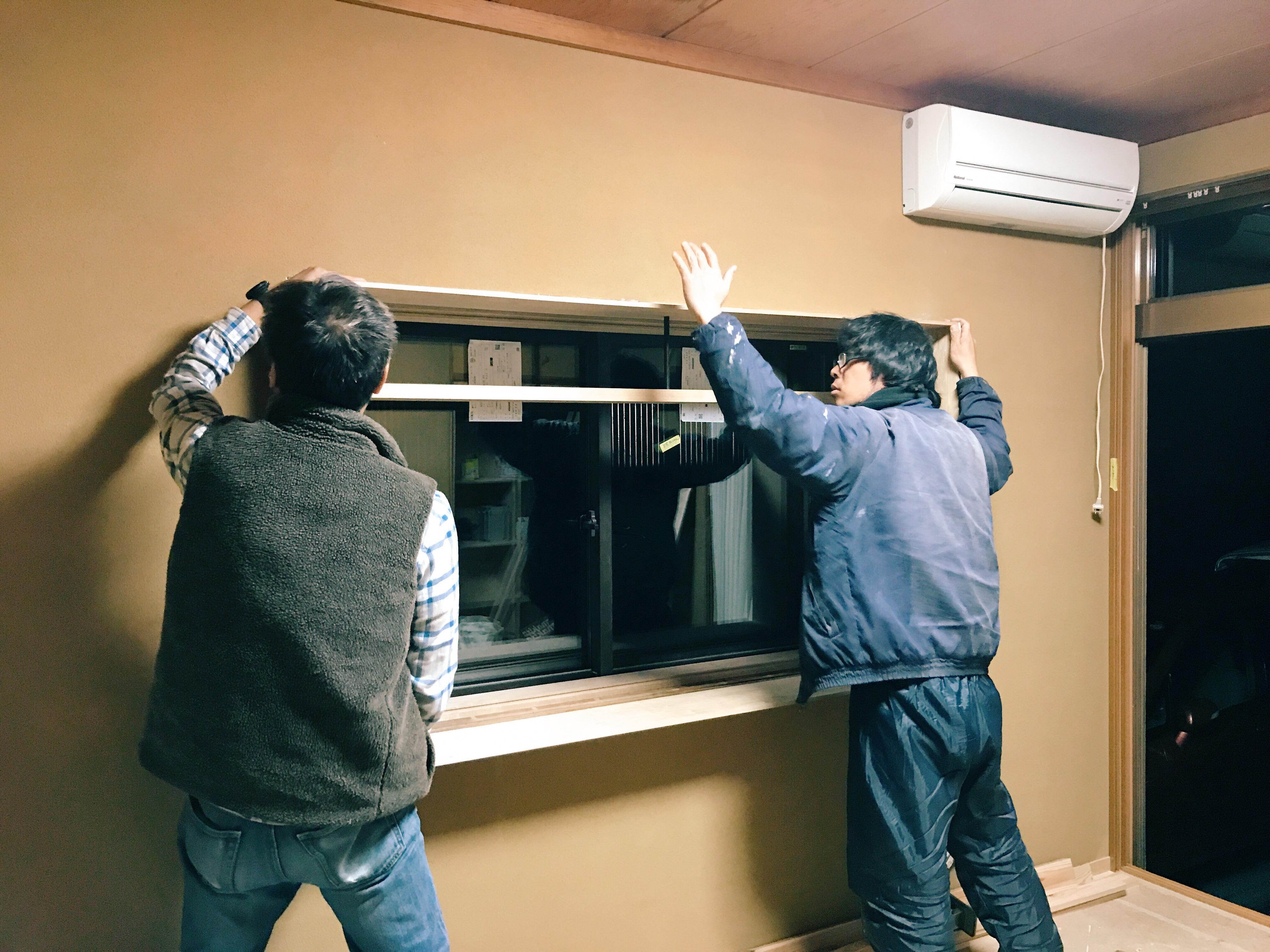 出窓枠建込み