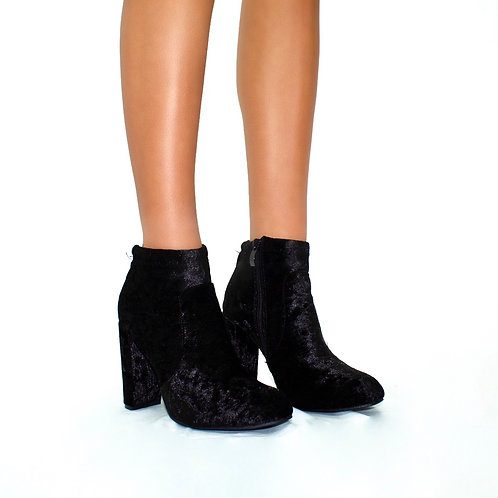 Naomi - Black Crushed Velvet Rounded Toe Block Heel Ankle Boots