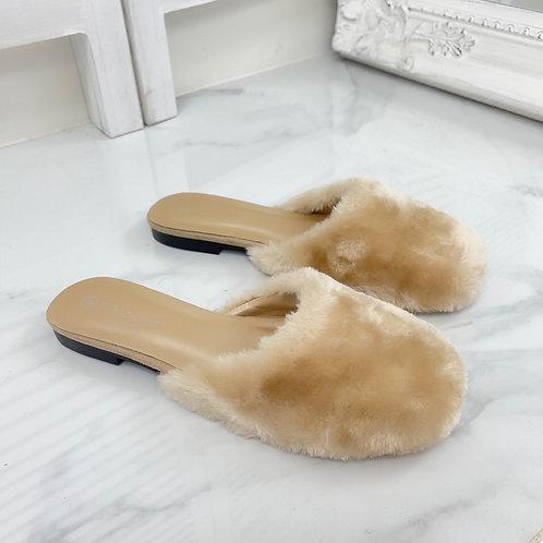 Talliah - Cream Faux Fur Slip On Sliders