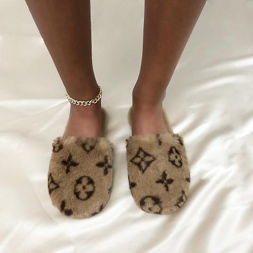 Lou- Brown Printed Closed Slippers
