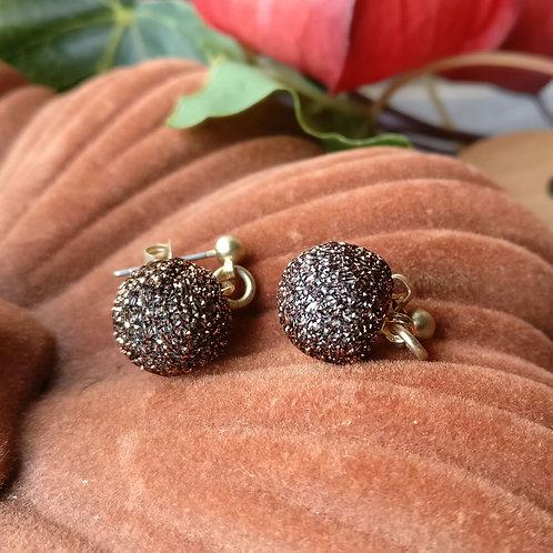 Oorbel mini shiny bruin-zwart