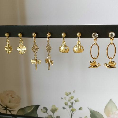 Oorbel kids klein hangertje goudkleurig