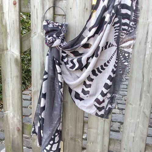 Sjaal dierenprint zwart/grijs met tikkeltje bordeaux