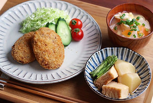 【レシピ全体画像】コロッケ・かぶと厚揚げの煮物・根菜の味噌汁.jpg