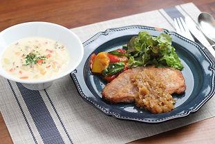 【レシピ全体画像】ポークソテー、パプリカのマリネ、クラムチャウダー.JPG