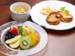 【レシピ画像全体像】 フルーツ盛り合わせ、フレンチトースト.jpg