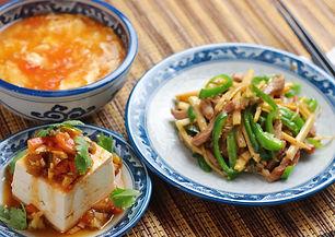【レシピ全体画像】チンジャオロース・トマトとザーサイの中華風冷奴・トマトと卵の中