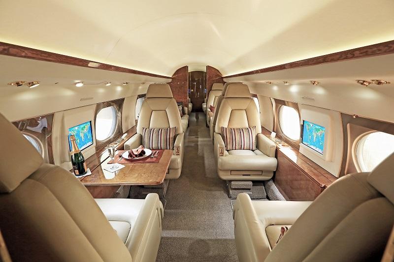 Gulfstream GIV  cabin mid