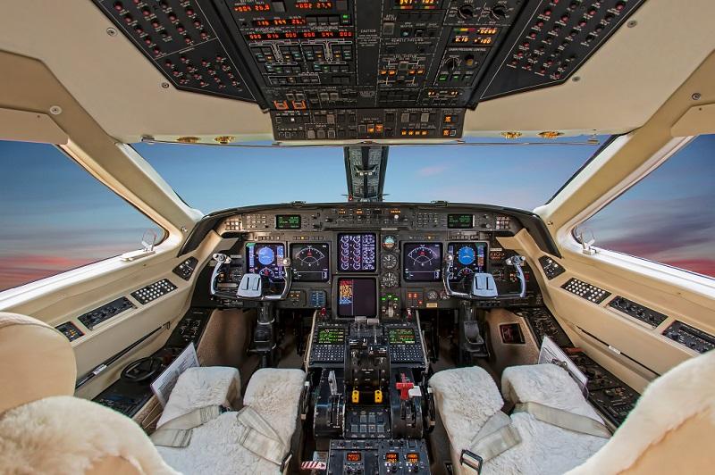 Gulfstream GIV cockpit