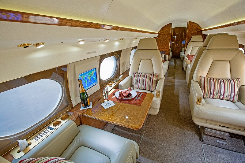 Gulfstream GIV fwd cabin