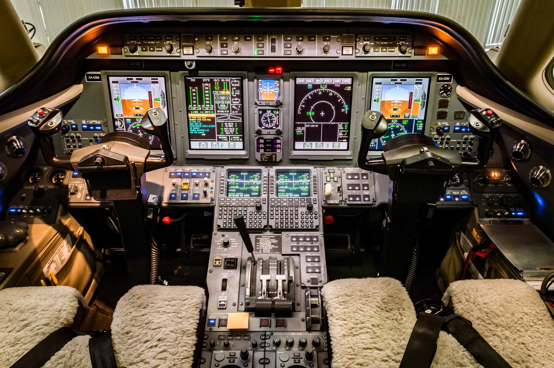 Sovereign 231 cockpit
