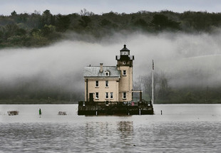 Rondout Lighthouse in the Fog