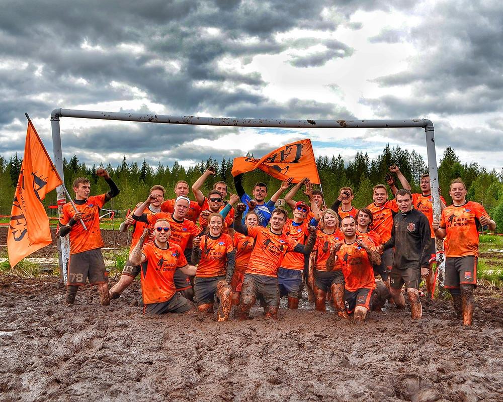 29 июня 2019 года состоится ежегодный чемпионат Польши по футболу на болоте. Знаковым событием является участие 2 Российских коллективов в новом, для нас, турнире. Представлять Россию на соревнованиях в Польше едут лучшие команды. За спиной у каждой есть чемпионства