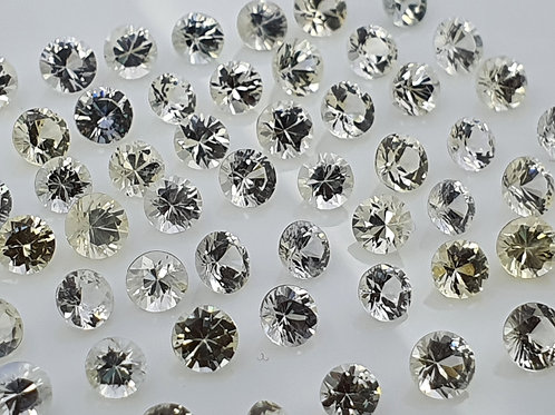 52 carats, Natural white Sapphire 3 - 3.5 mm