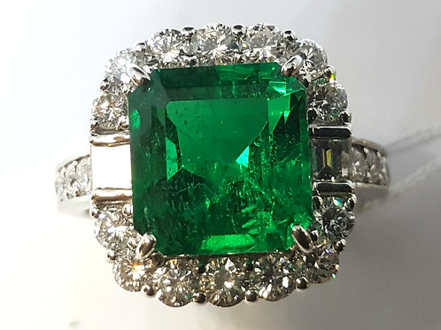 MAGNIFICIENT GIA 4.07 ct Muzo Minor Emerald and Diamond Ring