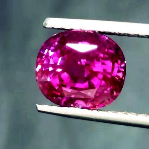 Gem Piece! 5.61 ct GIA Certified Pink Sapphire
