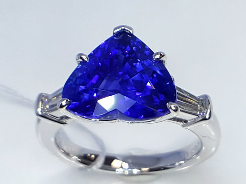 GRS CERTIFIED 5.38 ct Royal Blue Sapphire and Diamond Platinum Ring