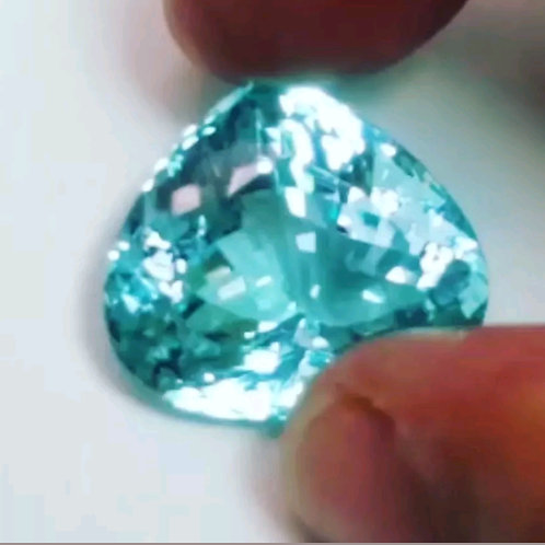 28.27 ct GIA Certified Flawless Natural Paraiba Tourmaline from Mozambique