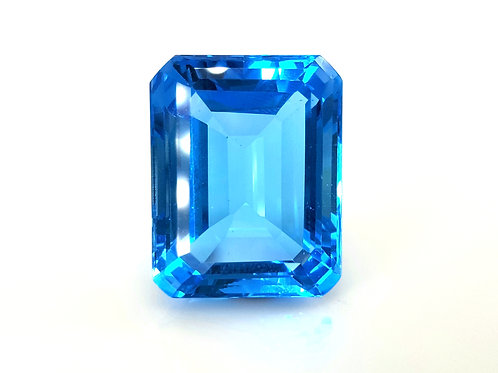 Breathtaking 40 ct Natural Blue Topaz from Brazil