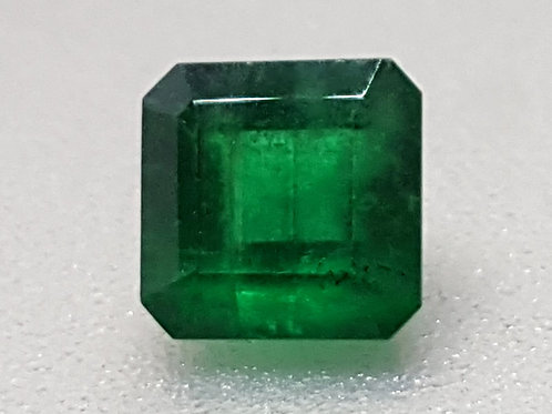 1.70carat, Natural Emerald vivid green transparent and oiled only