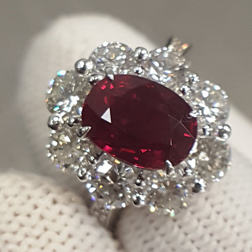 Fine GRS 2.20 cts Burmese Pigeon's blood Ruby Diamond  Ring