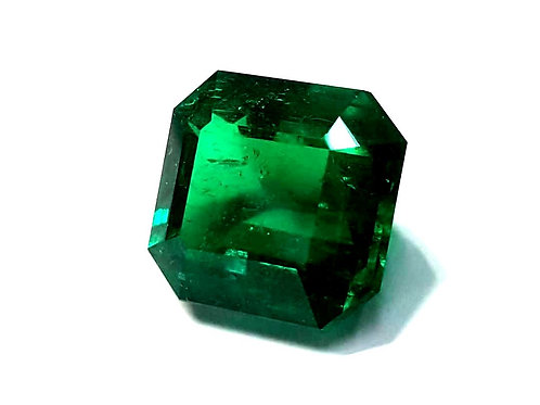US $ 15K P/C, 11.79 ct Vivid green Muzo Minor Emerald from Colombia