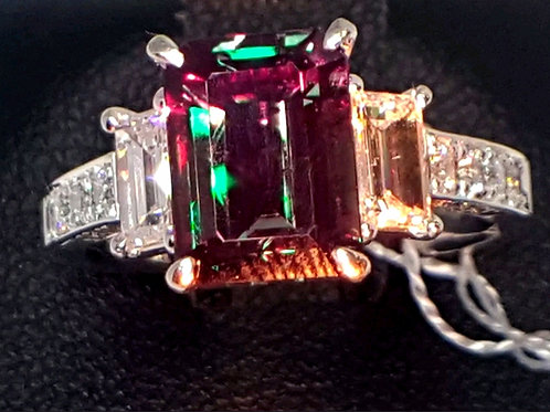 Exceptional Brazil Alexandrite 3.09 cts and Diamond Ring