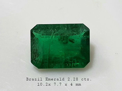 2.28 Ct Natural Emerald vivid green transparent oiled only.