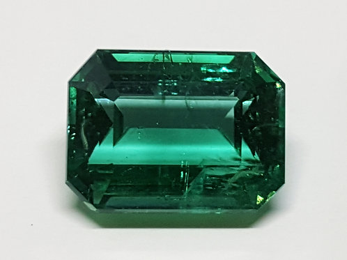 4.22 ct Natural Emerald green minor from Africa
