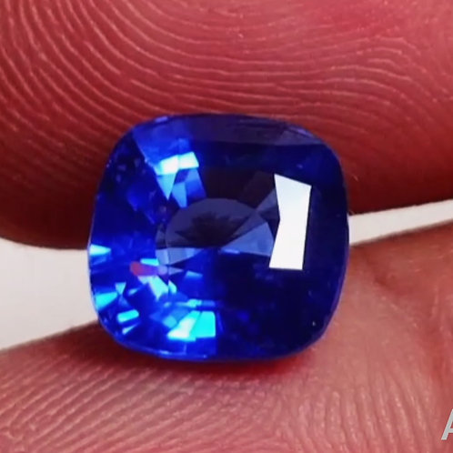 GIA CERTIFIED BLUE SAPPHIRE 3.61 ct