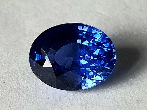 Natural cornflower Cylon Blue Sapphire 4.16 carats from Sri Lanka