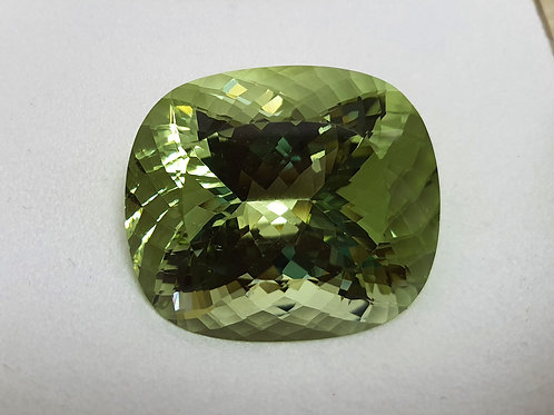 US$$$ P/C 59 carat Exquisit Green Beryl Loose Gemstone Cushion cut from Brazil