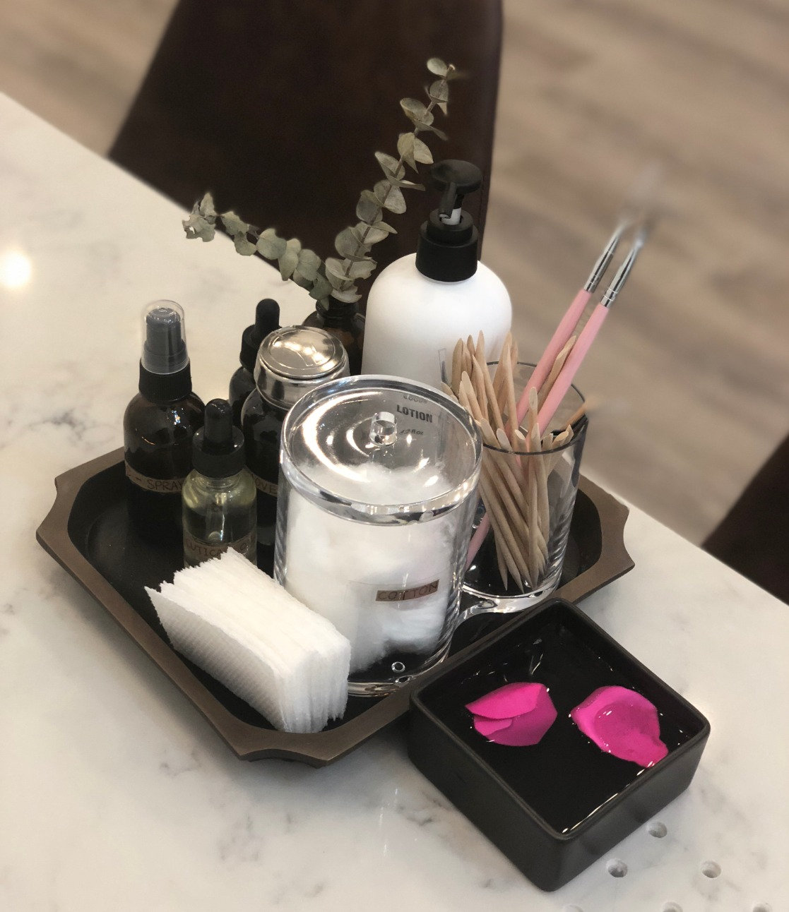 N Square Signature Manicure