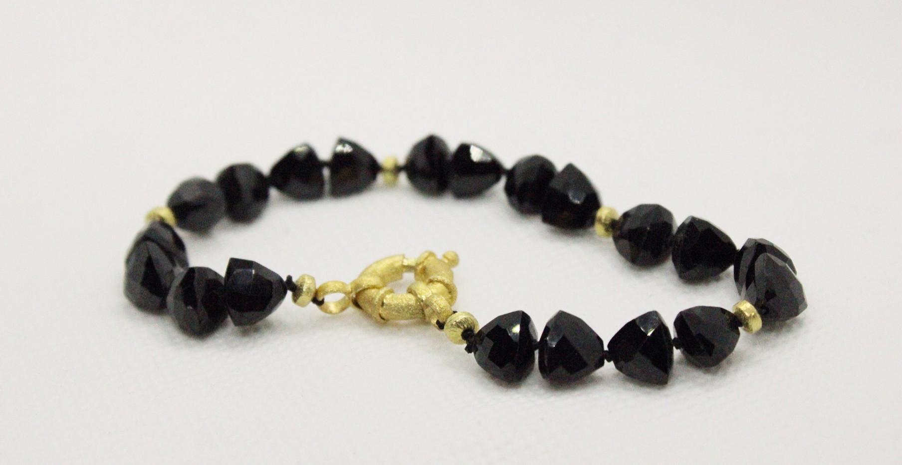 schwarzer spinell, silber vergoldet