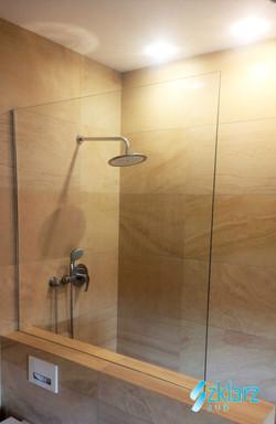 Parawan prysznicowy