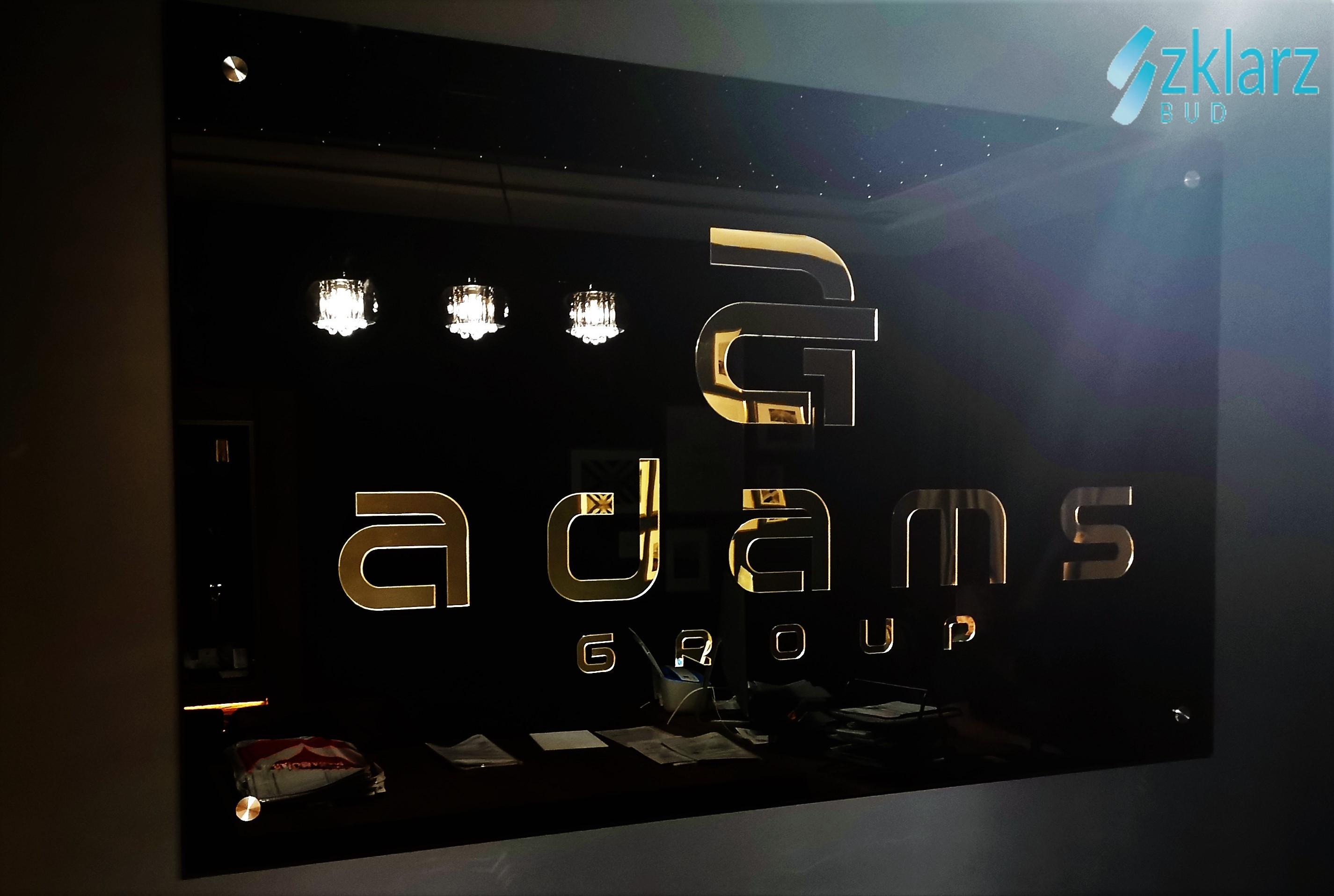 Logo - lakierowane na czarno szkło