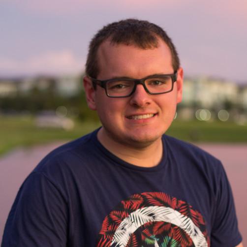 Zach-Orlando-Headshots-Sunshine-Photogra