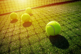 soft%20focus%20of%20tennis%20ball%20on%2