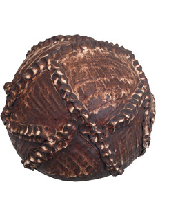 Stentøjskugle med snoning, 8.000 kr.
