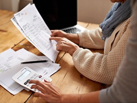 Canadians pay more income tax than Americans